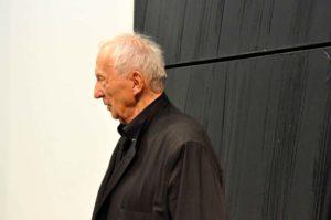 Portrait de Pierre Soulages le soir du vernissage au Centre Georges Pompidou, photographe Georges Poncet